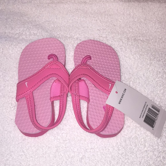 50ecef2e3 Toddler girls Nike sandals size 7.